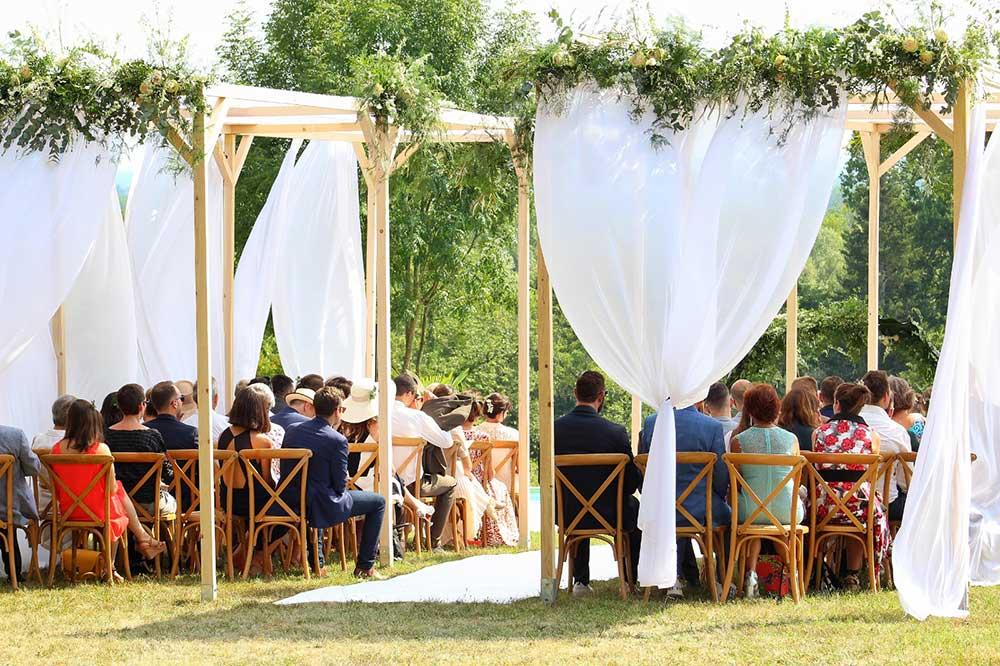 Cérémonie de mariage en Yvelines dans un domaine